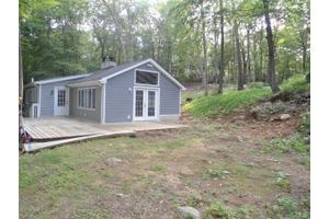 63 Peaceable St, Redding, CT 06896