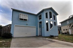 909 Whispering Sands St, Port Aransas, TX 78373