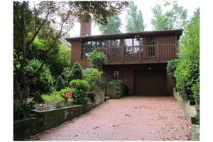 6666 Kinsman Rd, Squirrel Hill, PA 15217
