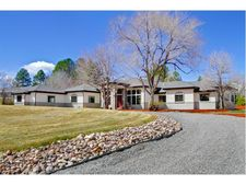 5550 Sunset Dr, Bow Mar, CO 80123
