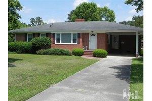 502 Carolina Ave, Clinton, NC 28328
