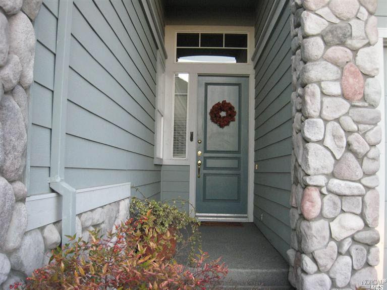 1919 Gardenview Cir, Santa Rosa, CA 95403