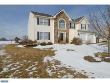 338 Luisa Ct, Shoemakersville, PA 19555