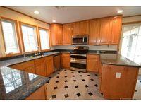 10 Old South Rd, Stonington, CT 06355