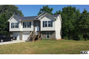 1202 39th Street Cir SW, Hickory, NC 28602