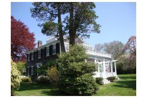3 Pleasant St, Dartmouth, MA 02748