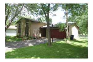 431 Schilling Cir NW, Forest Lake, MN 55025