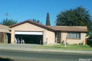 1709 Center Ave, Dos Palos, CA 93620