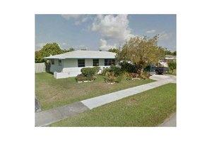 16322 SW 99th Pl, Miami, FL 33157