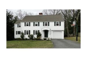 31 Crown Ridge Rd, Wellesley, MA 02482