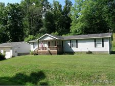 1613 Congress Creek Rd, Belpre, OH 45714