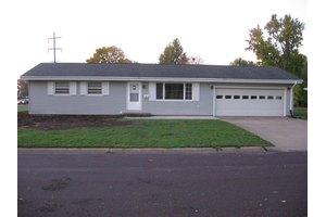 871 E Franklin St, MACOMB, IL 61455
