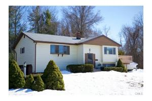 17 Mark Dr, Norwalk, CT 06851