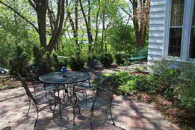 103 In Shade Along Lake Wingra >> 1111 Lincoln St Madison Wi 53711 Realtor Com