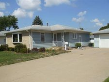 167 39th Ave, East Moline, IL 61244