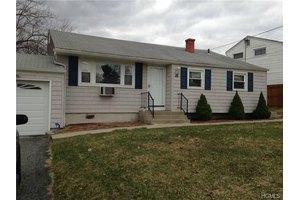 25 Delaware Rd, Newburgh, NY 12550