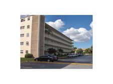 4700 Washington St Apt 511, Hollywood, FL 33021