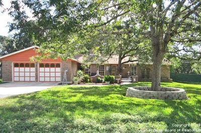 7414 Shady Hollow Ln, San Antonio, TX