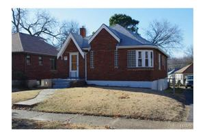 6528 Woodrow Ave, St Louis, MO 63121