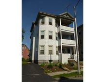 27 Dover St, Worcester, MA 01609