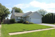 106 S West St, Cortland, IL 60112