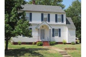 1001 W 3rd St, Coffeyville, KS 67337