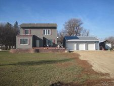 2015 190th Ave, Kenneth, MN 56147