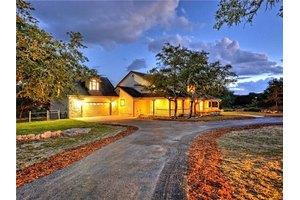 792 Saddleridge Dr, Wimberley, TX 78676