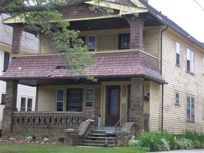 2062-2064 Bunts Rd Lakewood, OH 44107