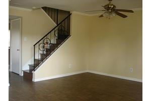 9350 Country Creek Dr Apt 3, Houston, TX 77036