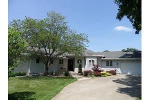 700 Magnolia Dr, Crown Point, IN 46307