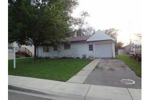 60 Ash St, Carpentersville, IL 60110