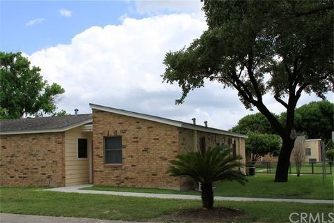 1220 N 17th St, Kingsville, TX 78363