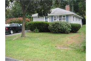 28 Saint Lawrence St, Manchester, CT 06040