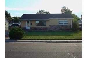 1721 Englewood Dr, Pueblo, CO 81005