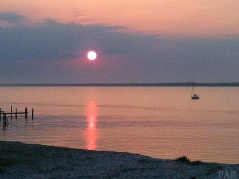 7453 Sunset Harbor Dr Apt 2 306, Navarre, FL 32566