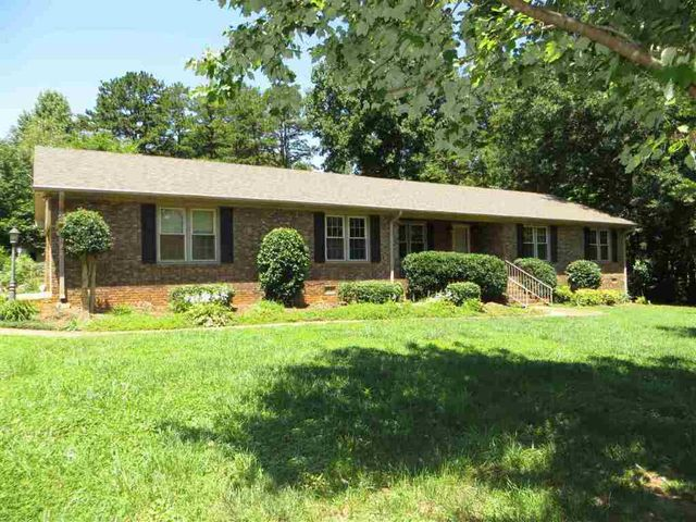 14 Brookland Ct, Spartanburg, SC 29301