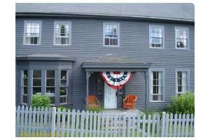 54 Federal St, Wiscasset, ME 04578