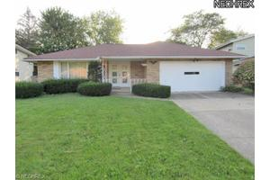 1844 Drayton Dr, Mayfield Heights, OH 44124