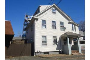 97 Wells St, Manchester, CT 06040