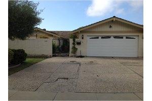 1109 Woodside Cir, Salinas, CA 93901