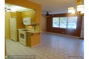 2301 Lucaya Ln Apt J1, Coconut Creek, FL 33066