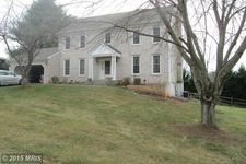 9829 Squaw Valley Dr, Vienna, VA 22182