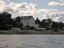 30 Shore Dr, Kingston, MA 02364