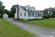 362 S Country Rd, East Patchogue, NY 11772