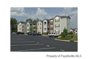295 Warton Ln, Fayetteville, NC 28314