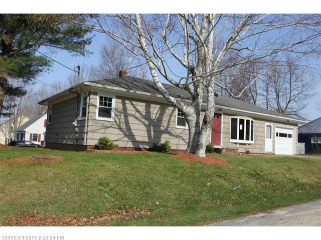 28 mcarthur ave lewiston me 04240 home for sale and