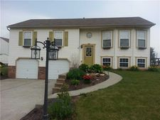 203 Commodore Dr, North Fayette, PA 15057