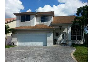 18767 NW 78th Pl, Hialeah, FL 33015