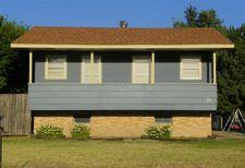 236 1st St, Phillipsburg, KS 67661
